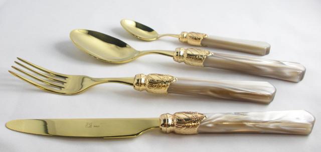 7Vittoria Gold champagne