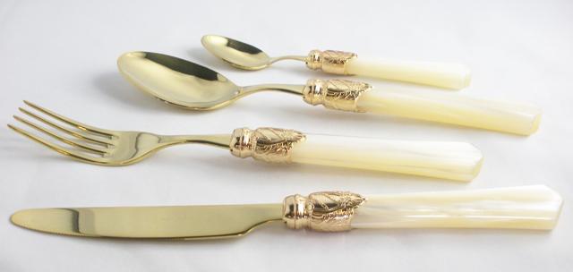 7Vittoria Gold ivory